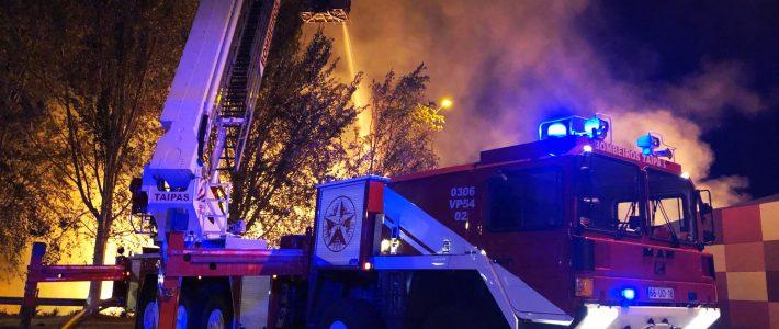 Bombeiros das Taipas apoiam no combate a incêndio industrial em Arcos de Valdevez